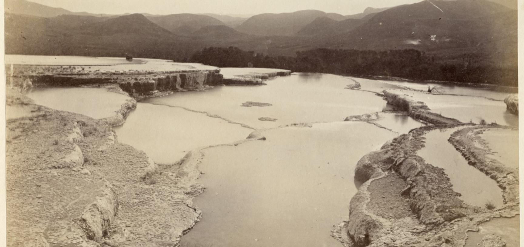 View of the geological structure known as the 'White Terraces', near Rotorua. Photograph by Alfred Burton for the Burton Brothers studio (Dunedin). Lake Rotomahana, North Island, New Zealand. Circa 1884.